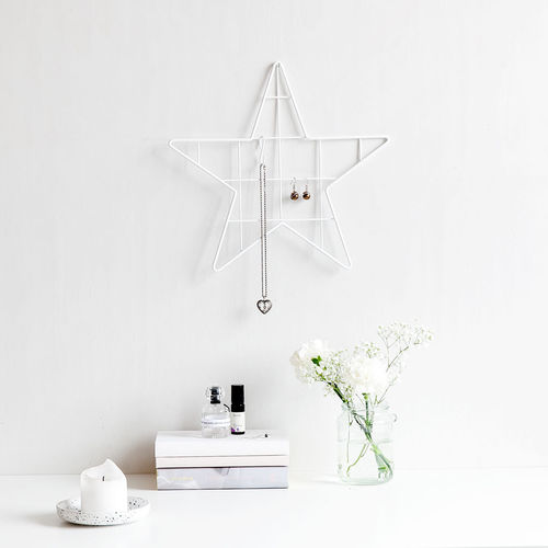 Star white wall grid