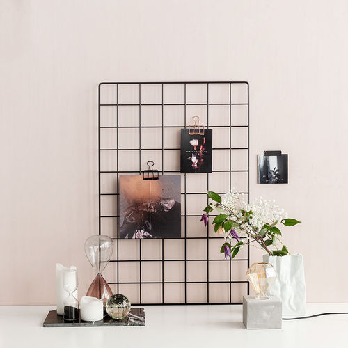 Basic black wall grid