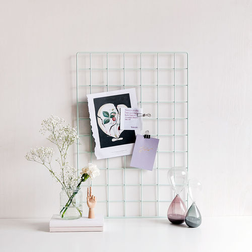 Basic mint wall grid