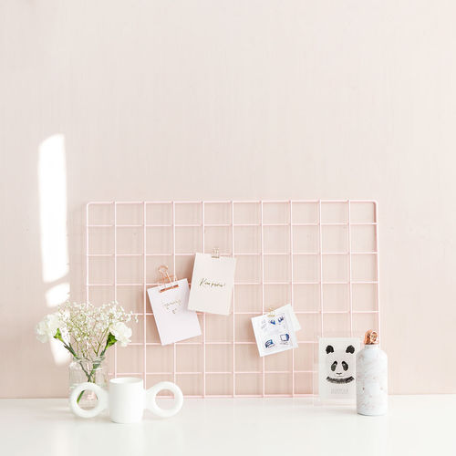 Basic pink wall grid