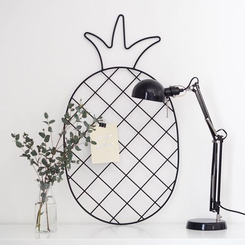 Pineapple black wall grid